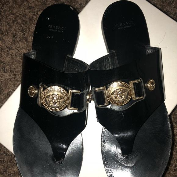 d0c0f5660 Vesace paten leather Medusa icon. M 5b56388a5c4452d65c6c4981. Other Shoes  ...